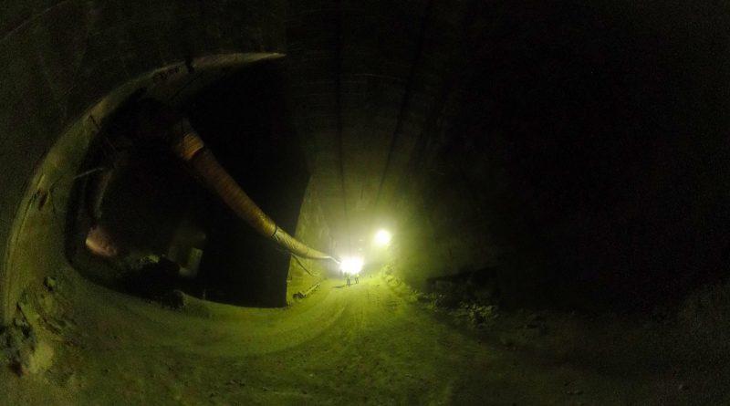 十和田石採掘場内部-1